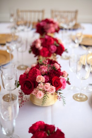 Pink-Red-Gold-Wedding-Table-Ideas-14
