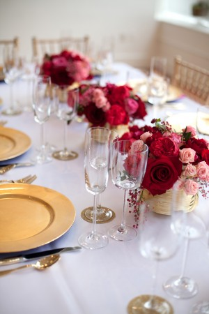 Pink-Red-Gold-Wedding-Table-Ideas-16