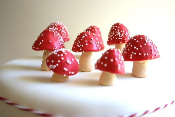 Toadstool-Cake-Toppers