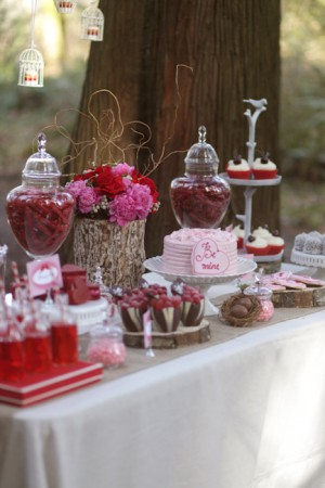 Valentines-Day-Dessert-Table-1
