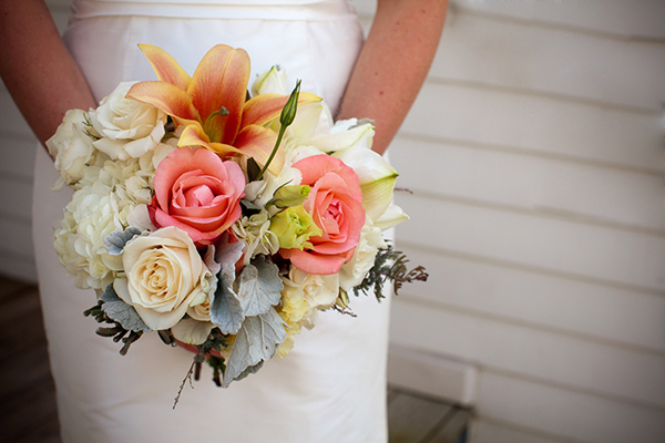 Whimsical-Hydrangea-and-Lilly-Bouquet