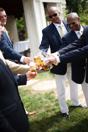 Yellow-Burlap-Wedding-Ideas-5