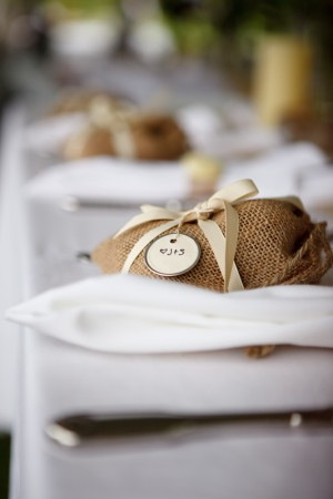 Yellow-Burlap-Wedding-Ideas-9