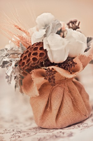 Burlap-Winter-Centerpiece