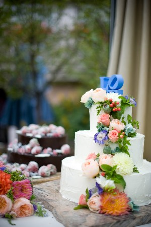 Cake-with-Colorful-Fresh-Flowers