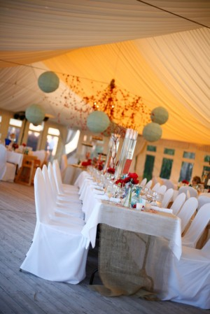 Whimsical-Aqua-Red-Wedding-Reception-6