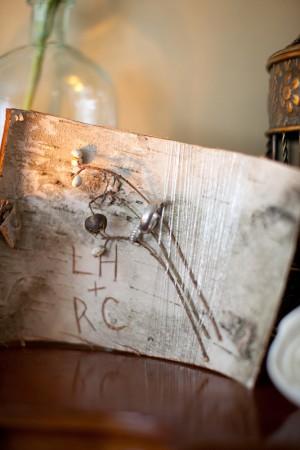 engraved-birch-wood-centerpiece
