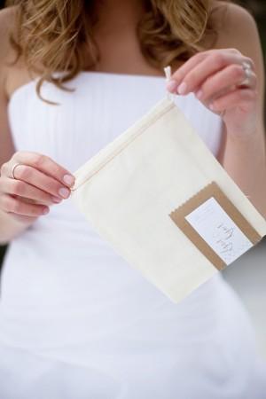 muslin-invitation-bag