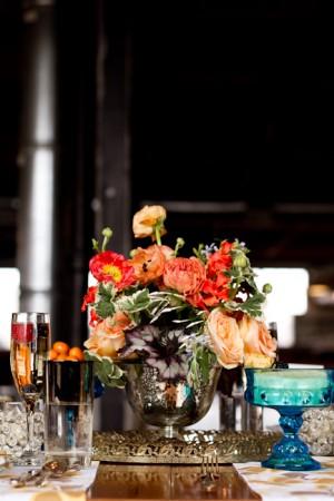 Coral-Ranunculus-Poppy-Centerpiece