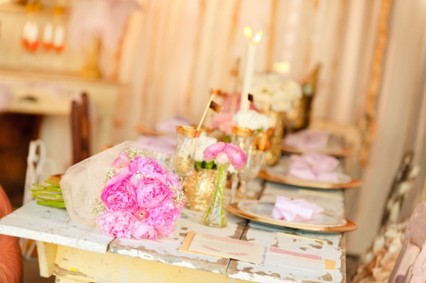 Hot-Pink-and-Gold-Wedding-Tabletop