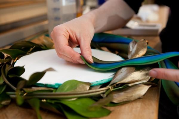 How-to-Make-a-Leaf-Wreath
