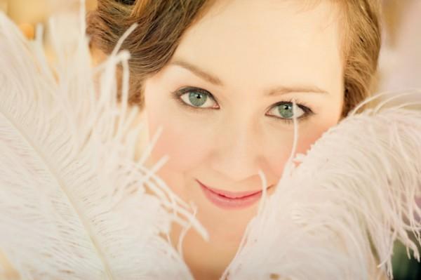 Pink-Feather-Wedding-Ideas