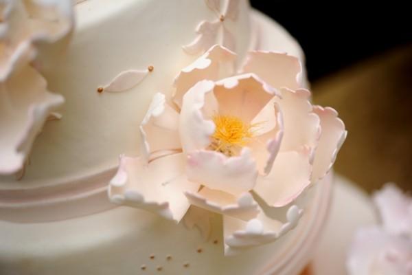 Pink-Sugar-Flower-Cake