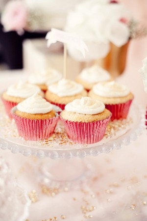Pink-and-Gold-Cupcakes