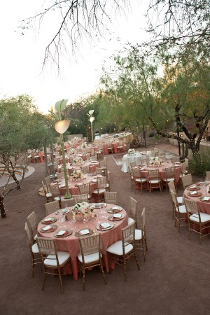 Pink-and-Gold-Table-Linens