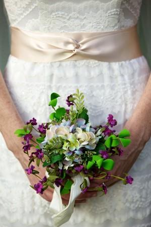 Purple-and-White-Mini-Bouquet