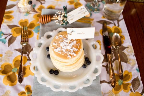 Retro-Vintage-Mustard-Wedding-Table