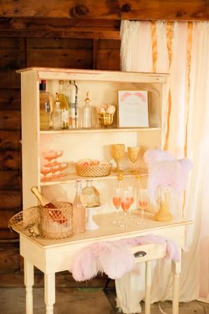 Sparkly-Gold-Pink-Wedding-Decor