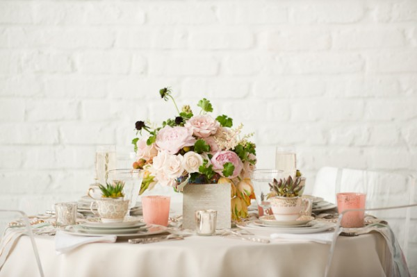 Vintage-Pink-and-Silver-Tabletop