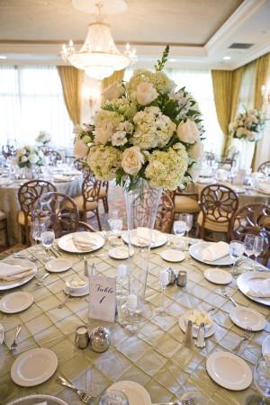 White-Rose-Hydrangea-Pedestal-Centerpiece