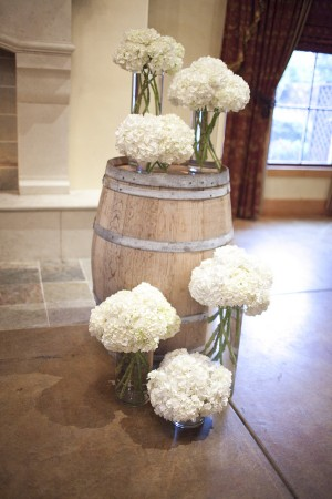 Wine-Barrel-Wedding-Ceremony-Altar