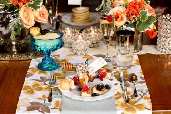 Yellow-Brown-Blue-Retro-Wedding-Ideas