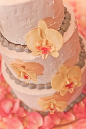 Yellow-and-Gray-Wedding-Cake