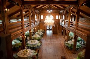 Elegant-Barn-Wedding-Reception