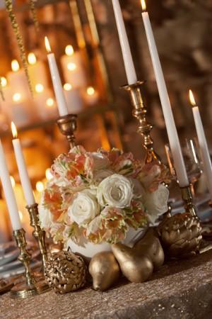 Elegant-Gold-Peach-Wedding-Centerpiece