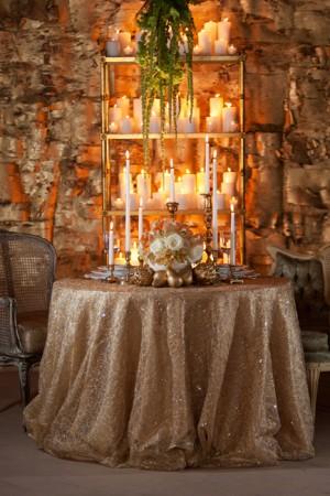 Elegant-Gold-Wedding-Table