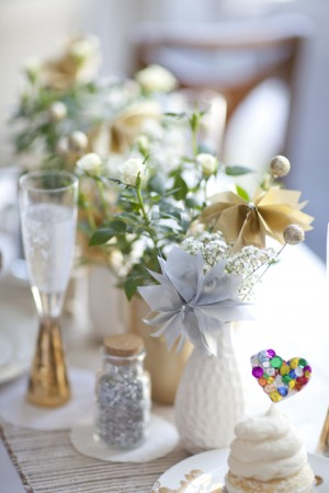Green-and-Gold-Sparkly-Wedding-Centerpiece