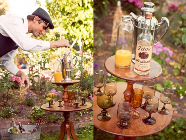 Vintage-Drink-Station-Wedding