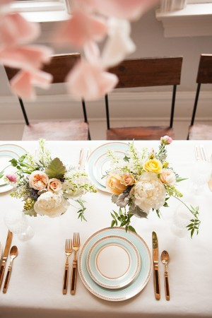 Yellow-and-Pink-Centerpieces