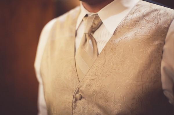 18_Groom_Bisque_Vest