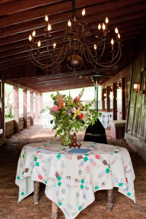Barn-Wedding-Decor