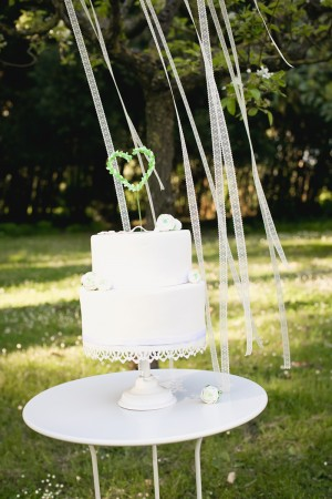 Classic-Green-and-White-Wedding-Ideas-25