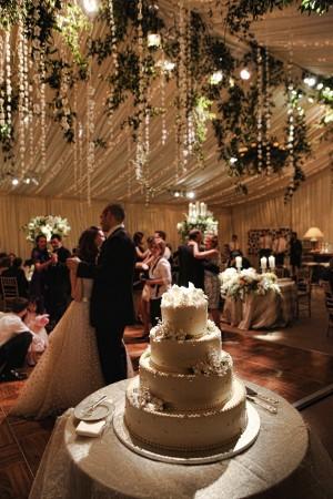 Elegant-Tent-Wedding-Reception