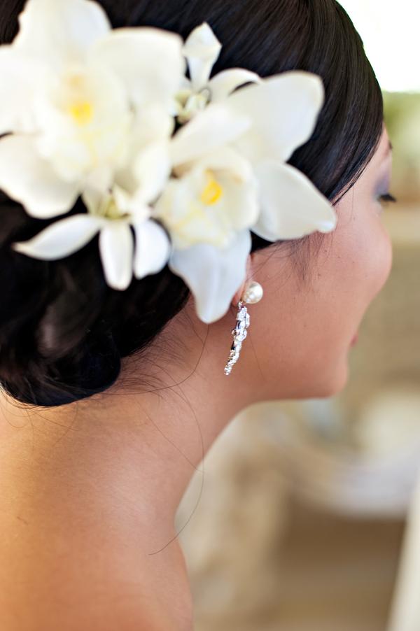 Hawaiian white orchid hair flowers elizabeth anne designs the hawaiian white orchid hair flowers mightylinksfo