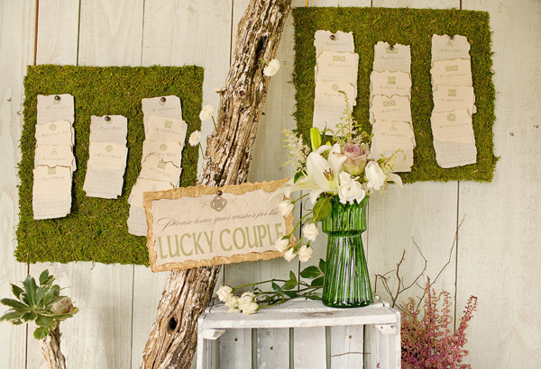Moss-Escort-Card-Board