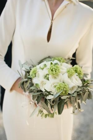 Olive-Ranunculus-Bouquet