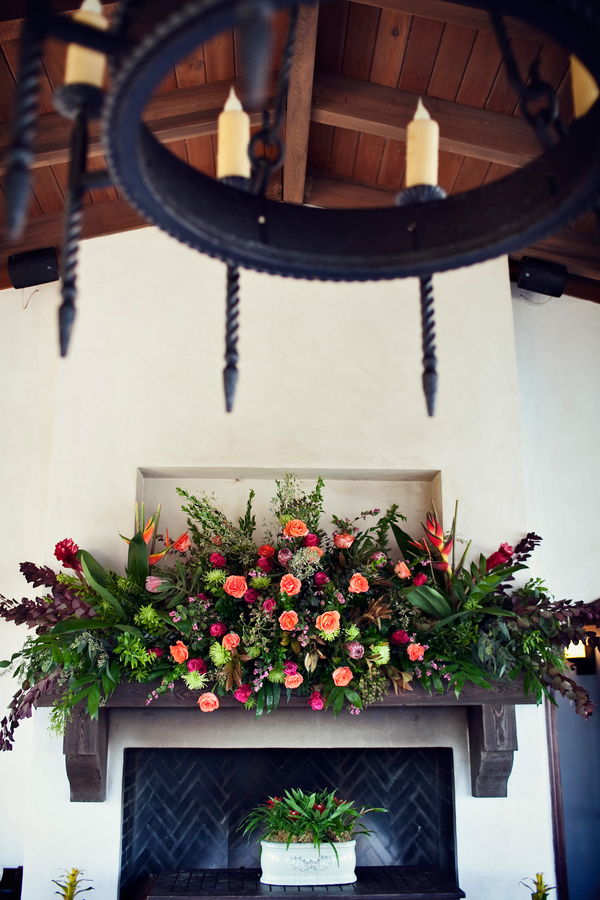Tropical-Greenery-and-Rose-Mantel-Decor