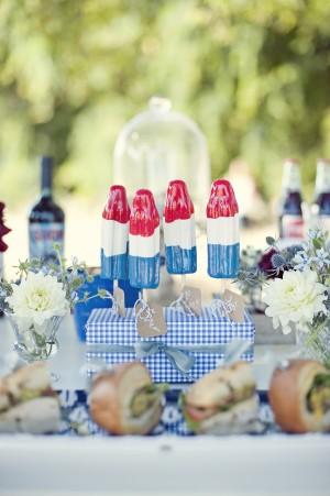 patriotic-table-setting