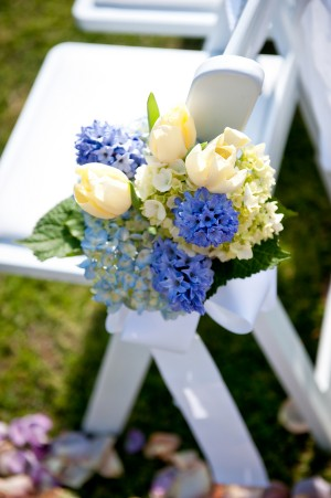Blue-and-Yellow-Aisle-Flowers