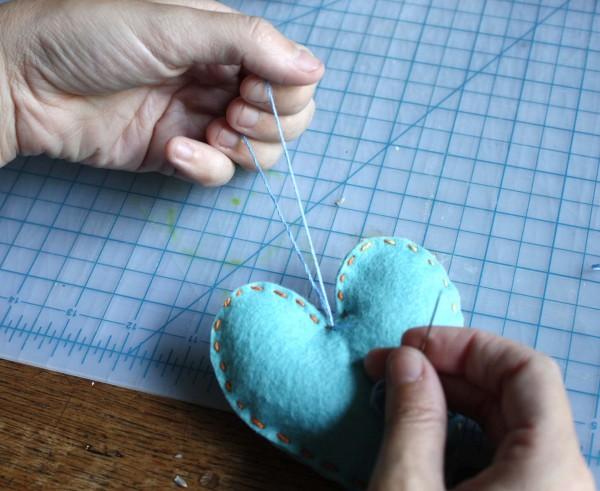 DIY-Heart-Sachet-Favors-6