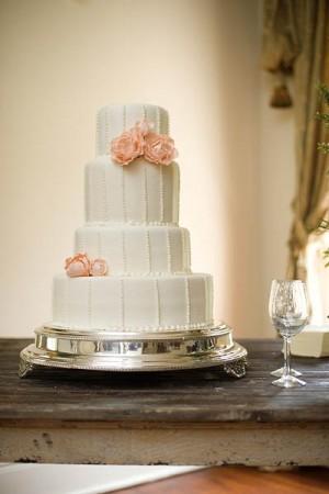 Elegant-Ivory-Wedding-Cake