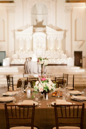 Elegant-Pink-and-Gold-Wedding-Reception