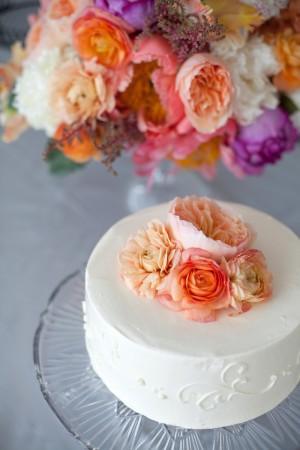 Fresh-Flower-Cake-Topper