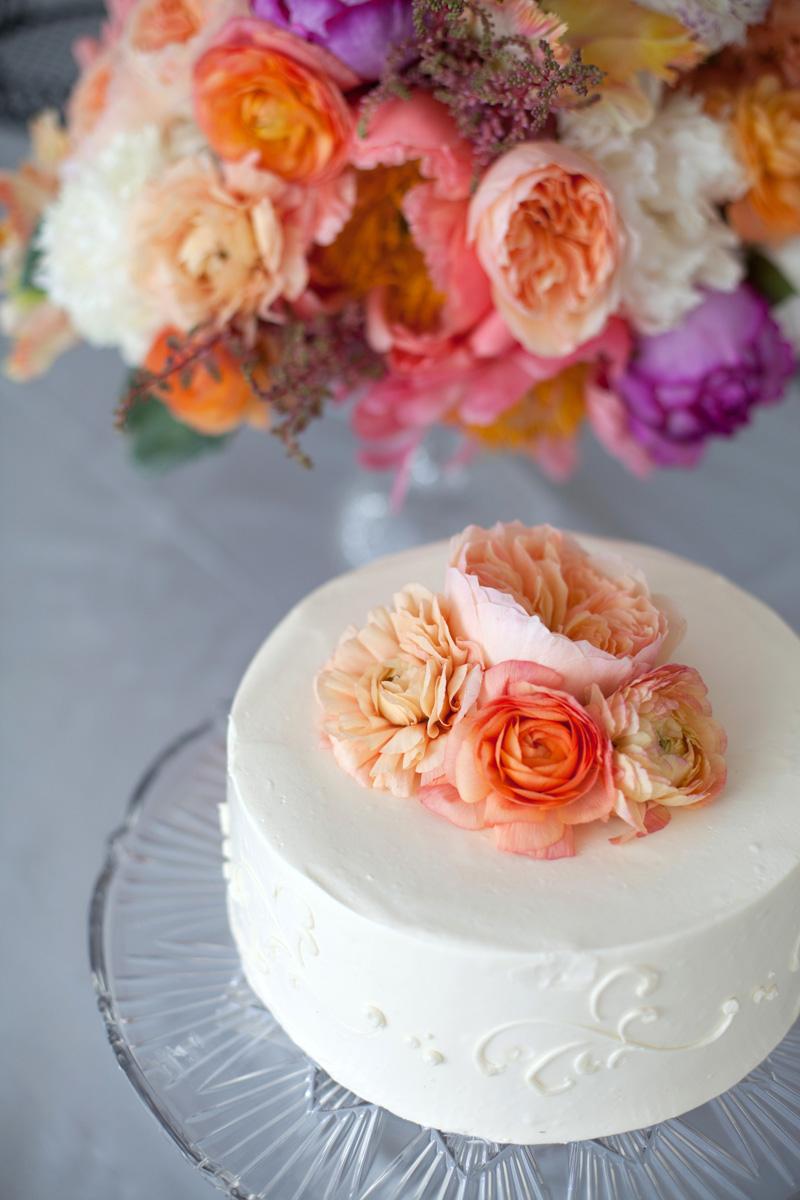 Cake Design With Fresh Flowers : Fresh-Flower-Cake-Topper - Elizabeth Anne Designs: The ...