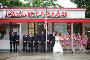 Fun-Bridal-Party-Group-Photo