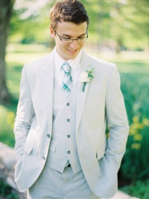 Groom-in-Gray-Suit-Green-Tie